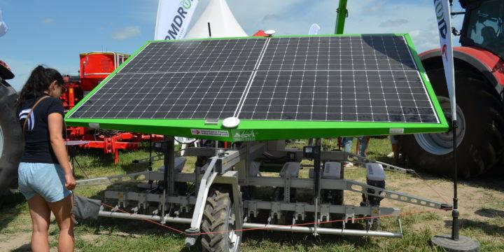 FarmDroid, un robot de désherbage autonome