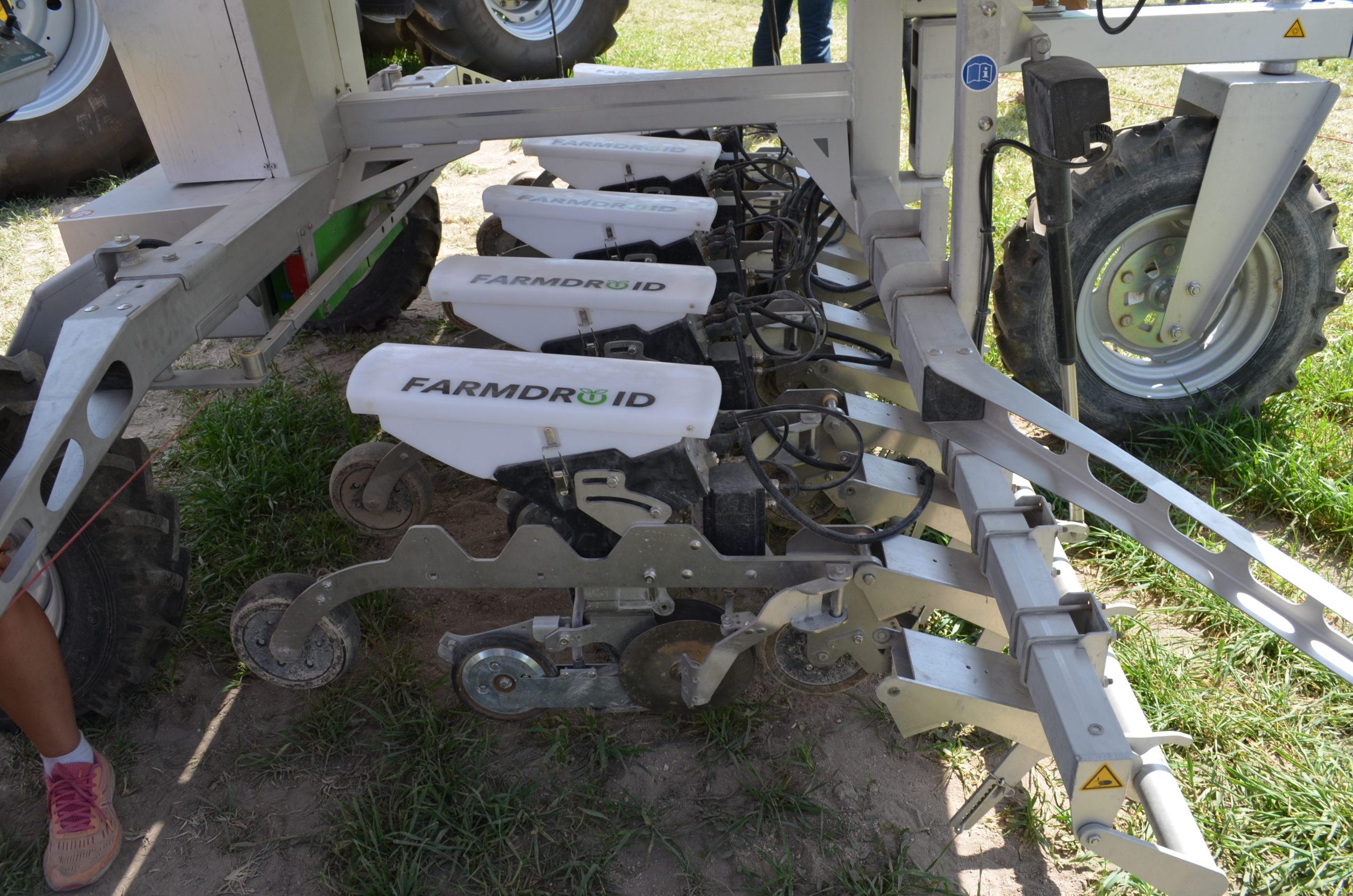 Eléments semeurs du robot FarmDroid