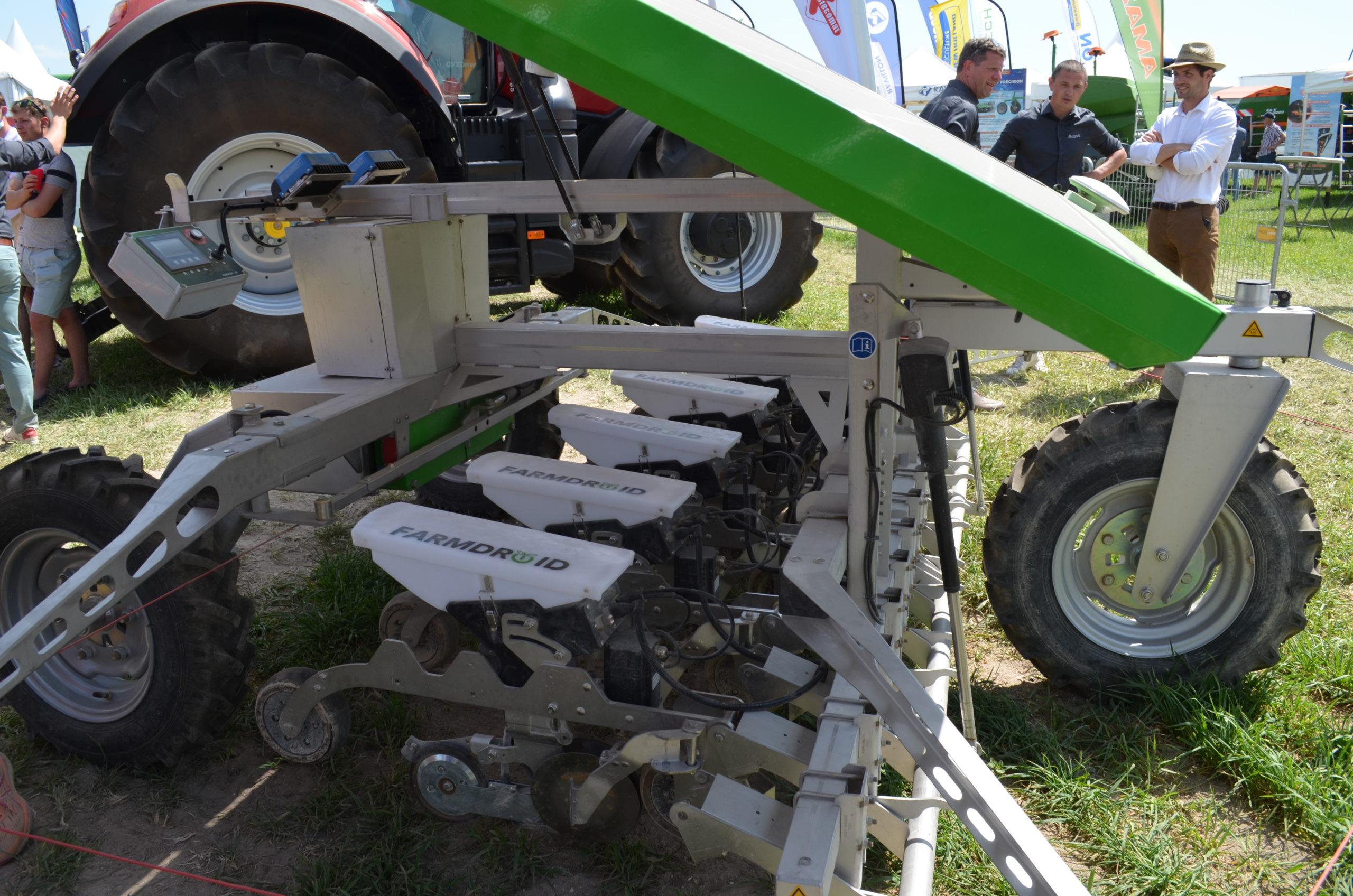 Vue rapprochée du robot FarmDroid